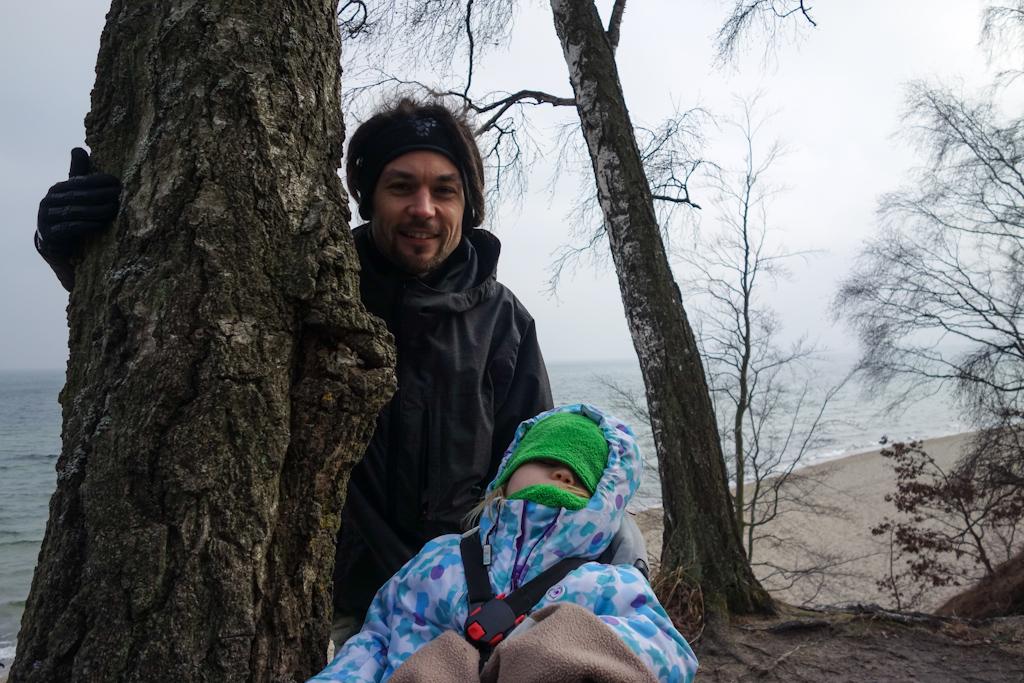 Kalina wciąż śpi... drzewo musiało być naprawdę ciężkie